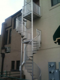 ALUMINUM STAIRCASE - 21' 2-PLATFORMS.