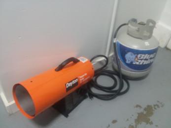 Dayton Propane Gas Torpedo Heater with hose and propane tank